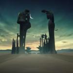 VR体験型映像でダリの描いた絵画の世界に入り込む。